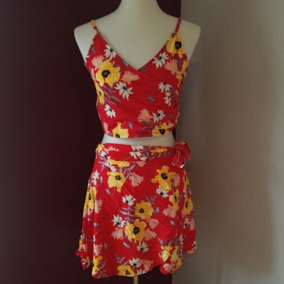 Divided Dresses & Skirts - 🌺Divided 2 PIECE dress! 😍🔥